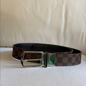 Louis Vuitton Men's Belt M9075 - 96/38